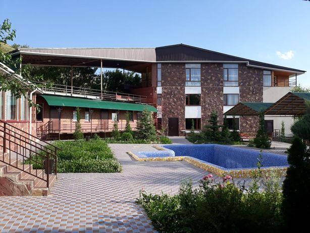 Комплекс гостиница (6) Бургулюк 18 соток. Готовый бизнес