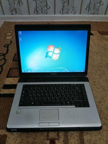 Ноутбук Toshiba в хорошем состоянии!!!