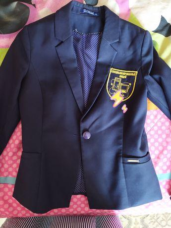 Пиджак для девочки школьный, на 11 -12 лет, Гласман