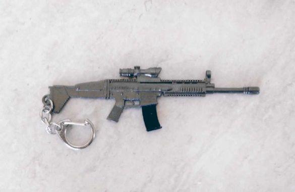 Метален ключодържател Автомат FN SCAR