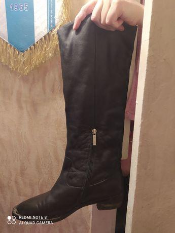 Продам кожаные итальянские качественные жен.сапоги