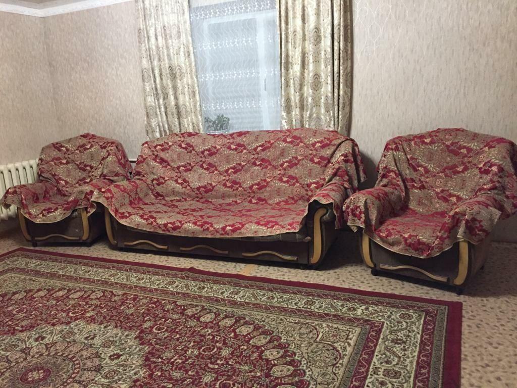 Диван и 2 кресло с накидкой