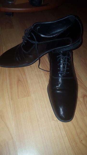 Pantofi eveniment piele - TEXTURED BROGUE DERBY