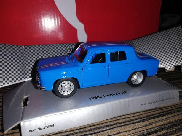 Macheta Renault 8(Dacia 1100) scara 1 32