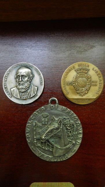 Lot 3 medalii frumoase 2 - Italia si una Spania argintata.