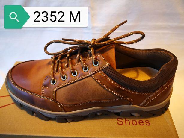 Vând pantofi piele lucioasă