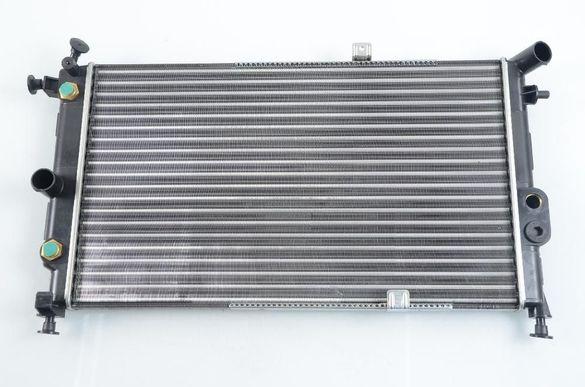 радиатор НОВ за Opel Vectra A