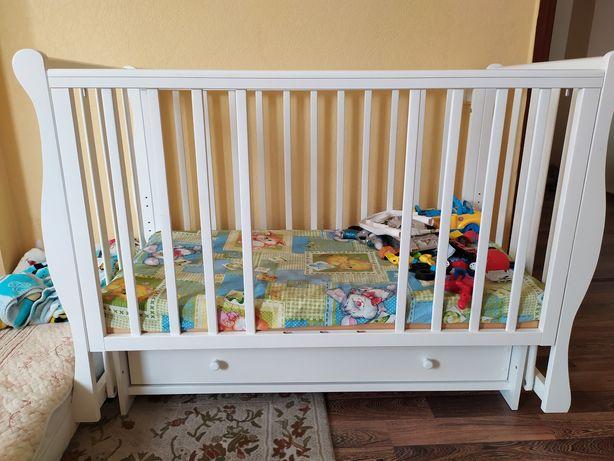 Продам манеж(детскую кроватку)
