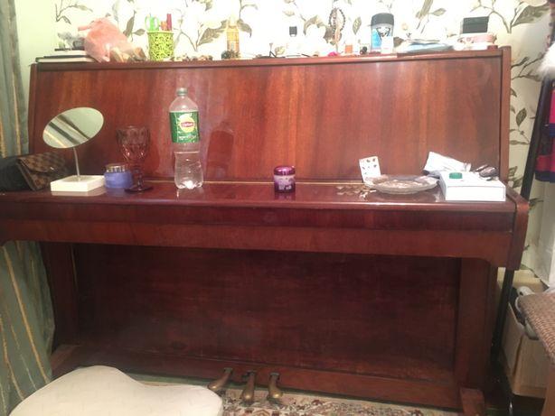 Пианино в отличном состояний