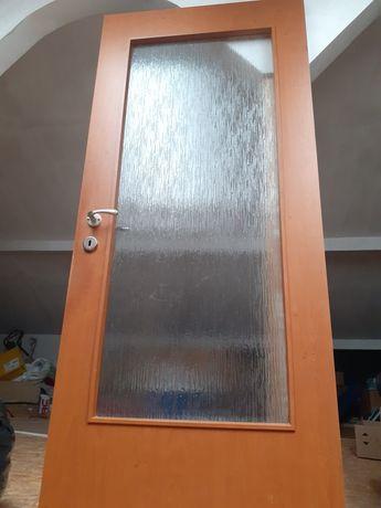 Usa pal cu geam fara toc