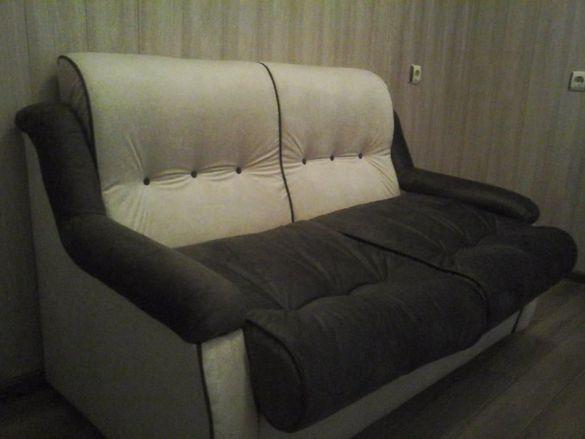 Продавам нов диван с функция за сън