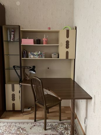 Продам угловой стол (стеллаж)