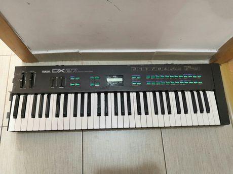 Orga Yamaha DX 27