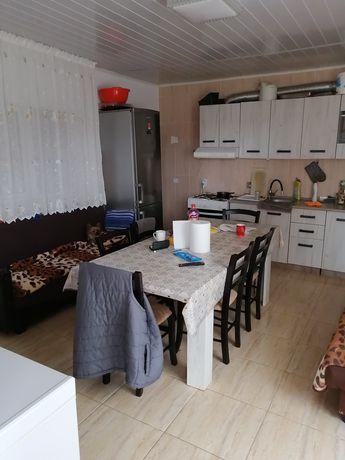 Vând casa în Schela