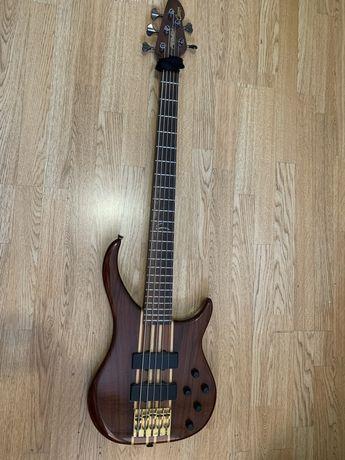 Бас гитара Peavey cirrus USA