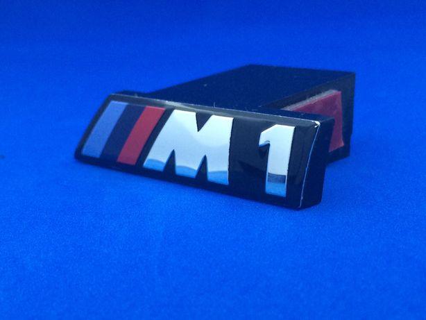 Emblema BMW M1 Grila E87