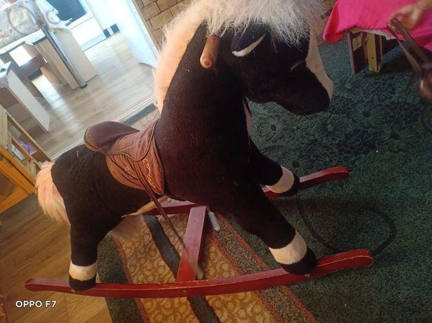 Продам лошадку В отличном состоянии