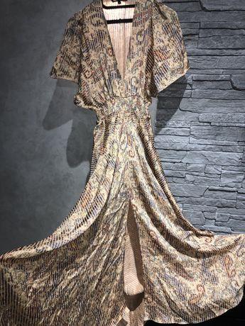 Платья от бренда Maje