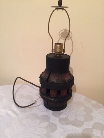 стара настолна лампа от ковано желязо