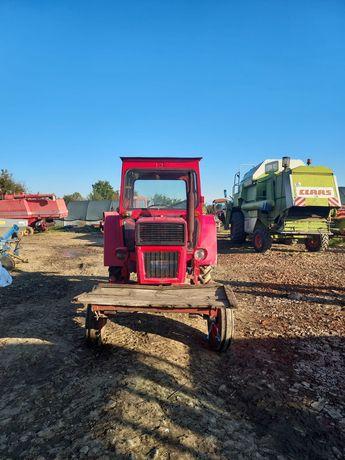 Vand tractor Universal 445