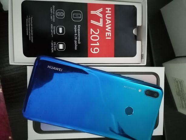 HUAWEI Y7 2019 смартфон