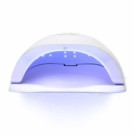 Професионална LED лампа за маникюр