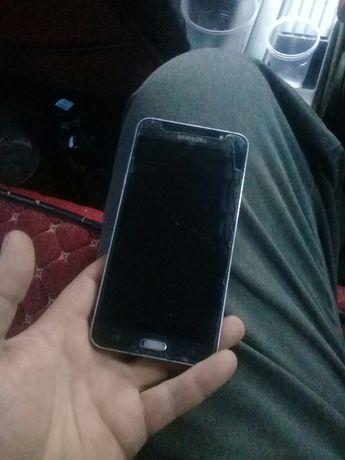 Продам смартфон самсунг j7