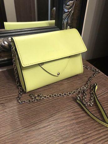 Дамска чанта Coccinelle нова