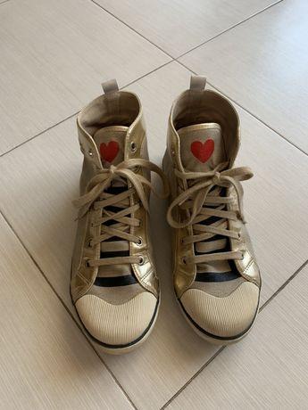 Дамски спортни кецове Love Moschino