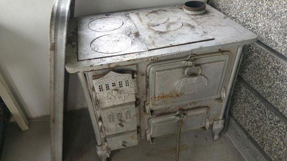 Печка с фурна здрава и работеща