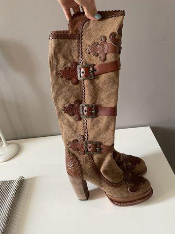 Сапоги итальянские кожаные Anna Sui в хорошем состоянии