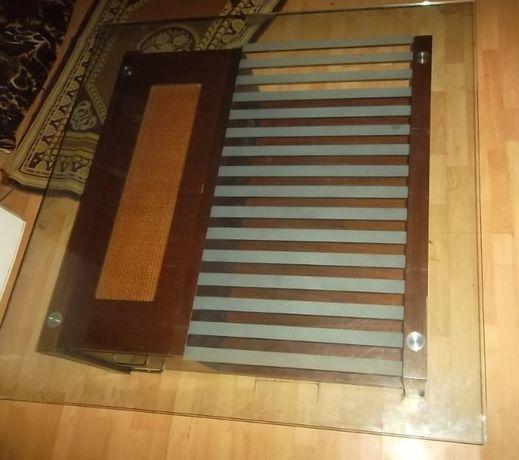 Журнальный стеклянный стол 120х120