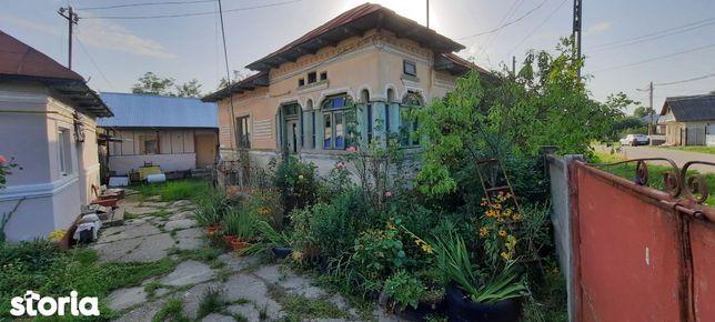 Casa constructie veche caramida + 1120 mp. teren Albota