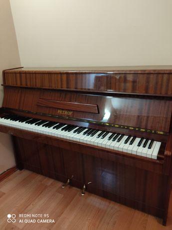 Продам чешское пианино Petrof в отличном состоянии