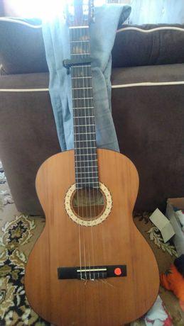 Гитара классическая Cremona