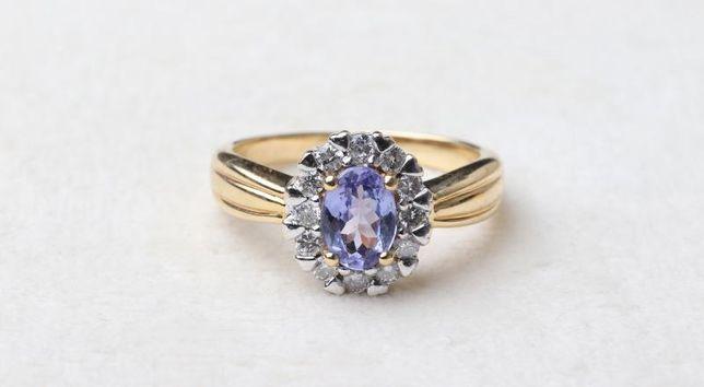 0% кольцо с брилл , золото 750 (18K), вес 5.03 г. «Ломбард Белый»