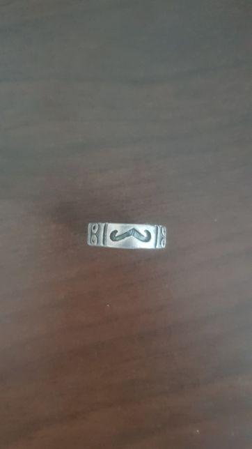 Veregheta de argint cu model