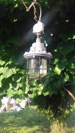 Стар голям противовлажен и взривозащитен фенер