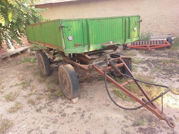 Самосвално ремарке за трактор