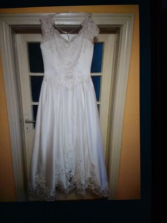 Vind rochie de mireasa mărimea L-42-44.