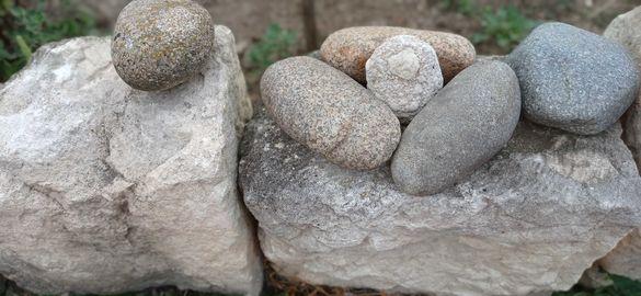 Продавам камъни за декорация