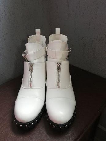 Нови обувки!