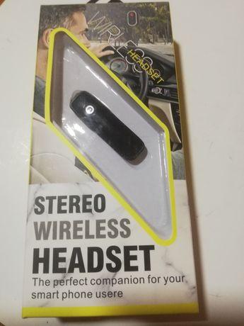 Stereo wireless headset
