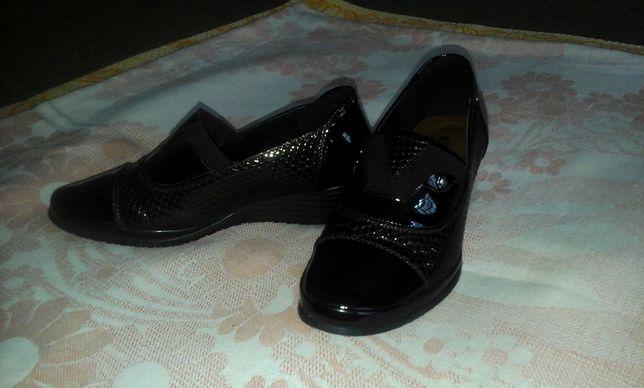 туфли осенние школьные или офисные на 35-35,5 размер