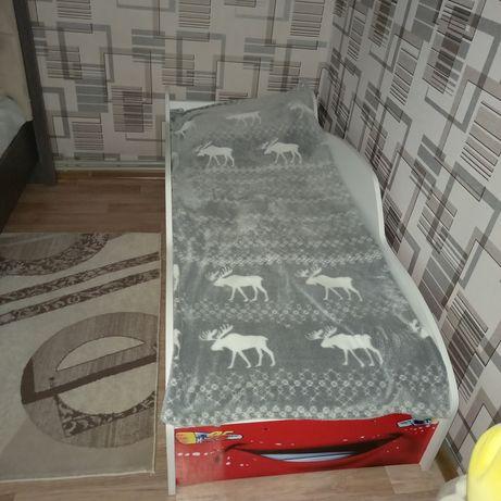 Продаётся детская кровать в отличном состоянии