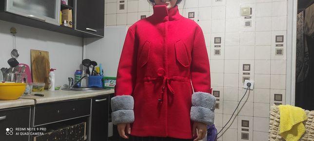 Продам пальто срочно торг, одевалось пару раз, почти новое