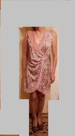 Продавам официална рокляот сатен и дантела. Цена-25 лв. Размер-44-48