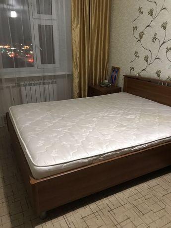 Спальный гарнитур и кровать