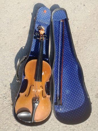 Руска 1957г Москва маркирана цигулка с лък и кутия