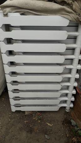 Продам батарею для отопления 10 секций 1шт .5секций 1шт.